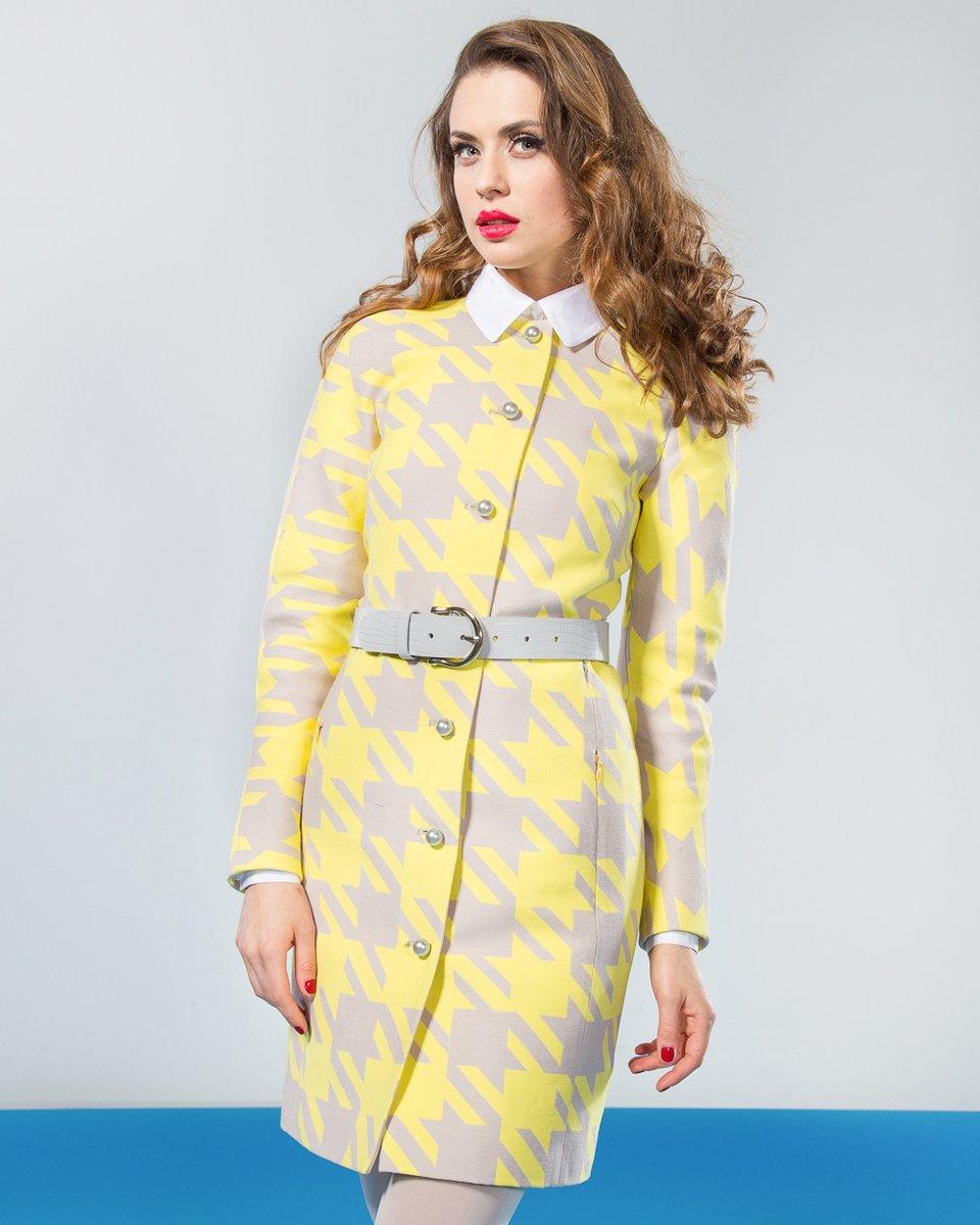 """Пальто с рисунком """"гусиная лапка"""", желтое."""