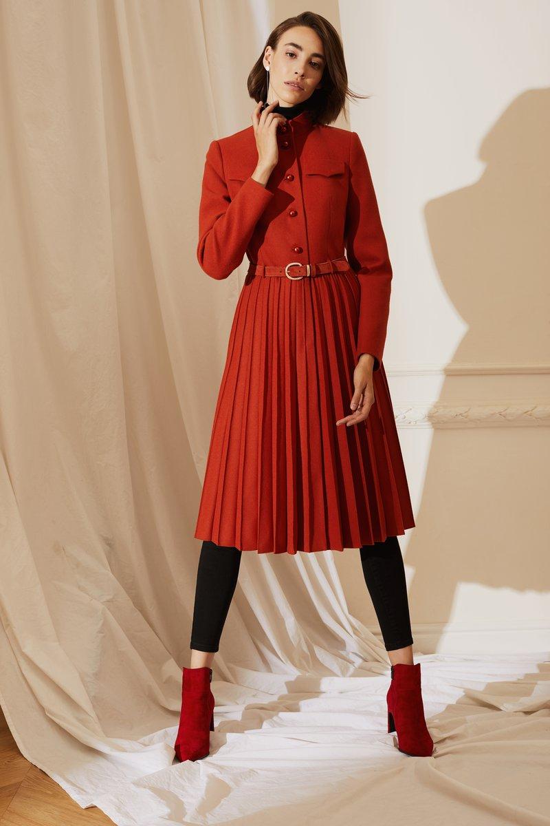 Пальто с юбкой гофре терракотового цвета