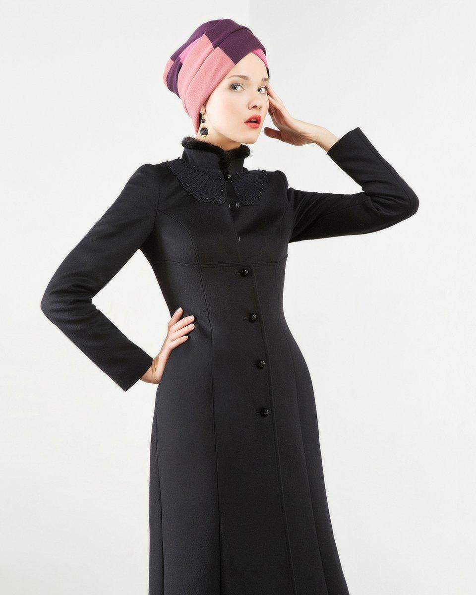 Пальто с завышенной талией и плиссированной подкладкой