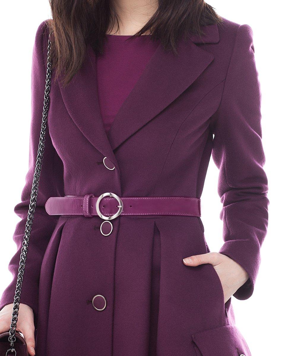 Пальто сливового цвета с пышной юбкой и накладными карманами