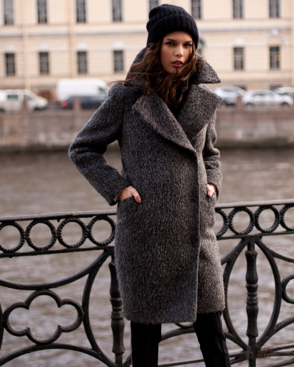 Пальто свободного кроя из ворсовой ткани