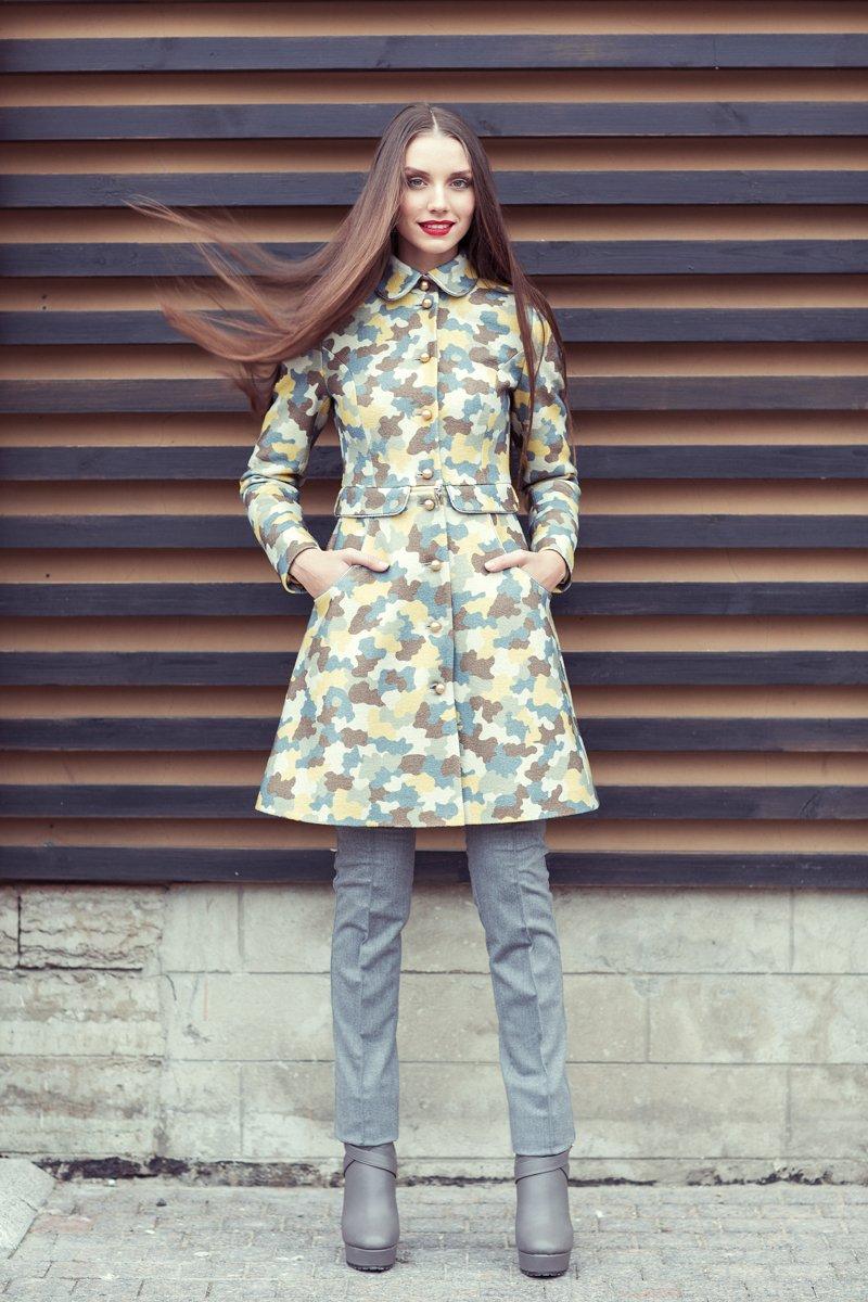 Пальто-трансформер яркой расцветки