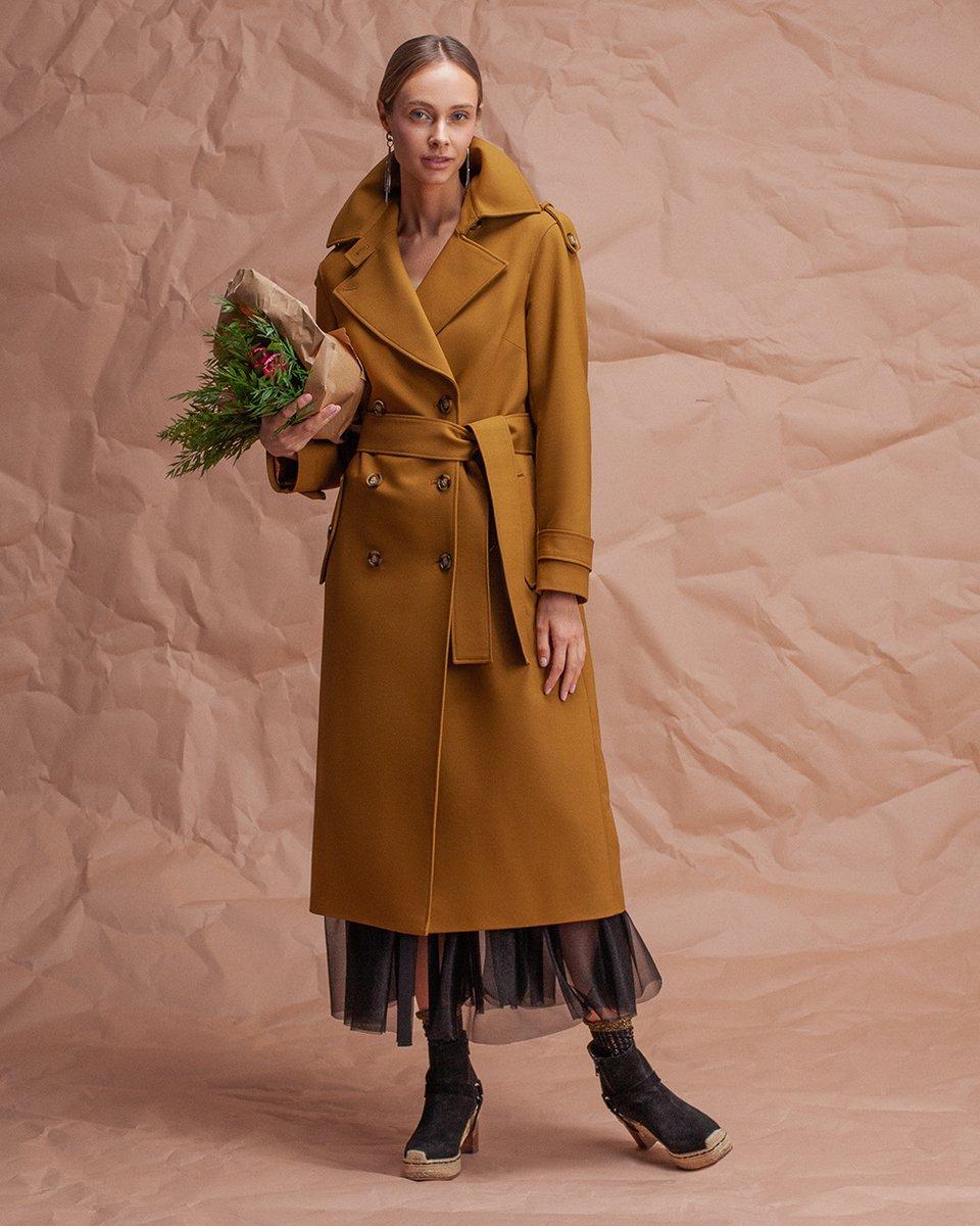 Двубортное пальто-тренч, горчичного цвета