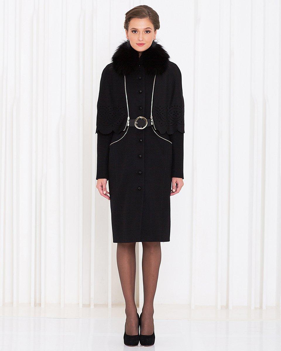 Пальто зимнее со съемной накидкой из перфорированной ткани