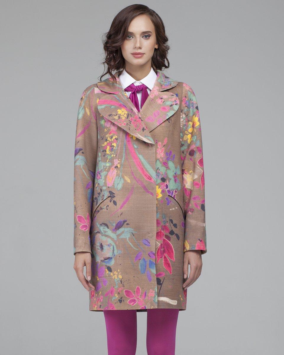 Пальто - кокон с абстрактным принтом