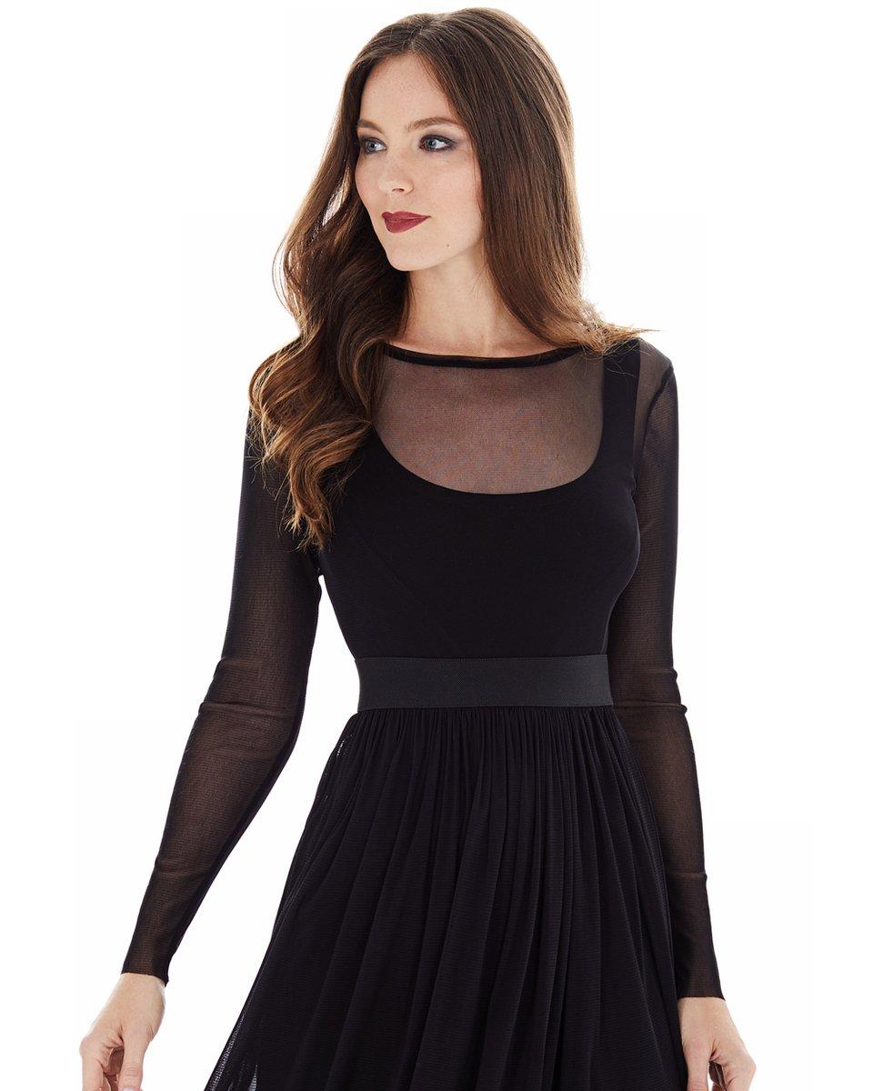 Платье из легкой сетчатой ткани, черного цвета