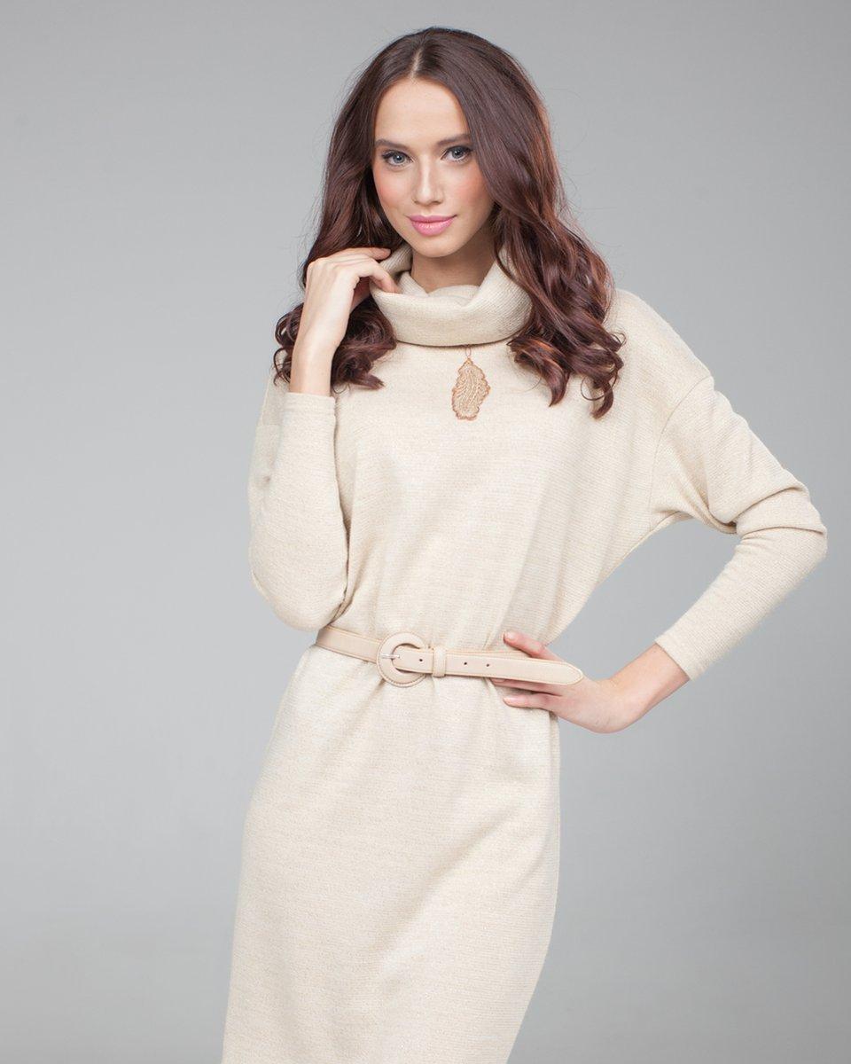 Платье миндального цвета
