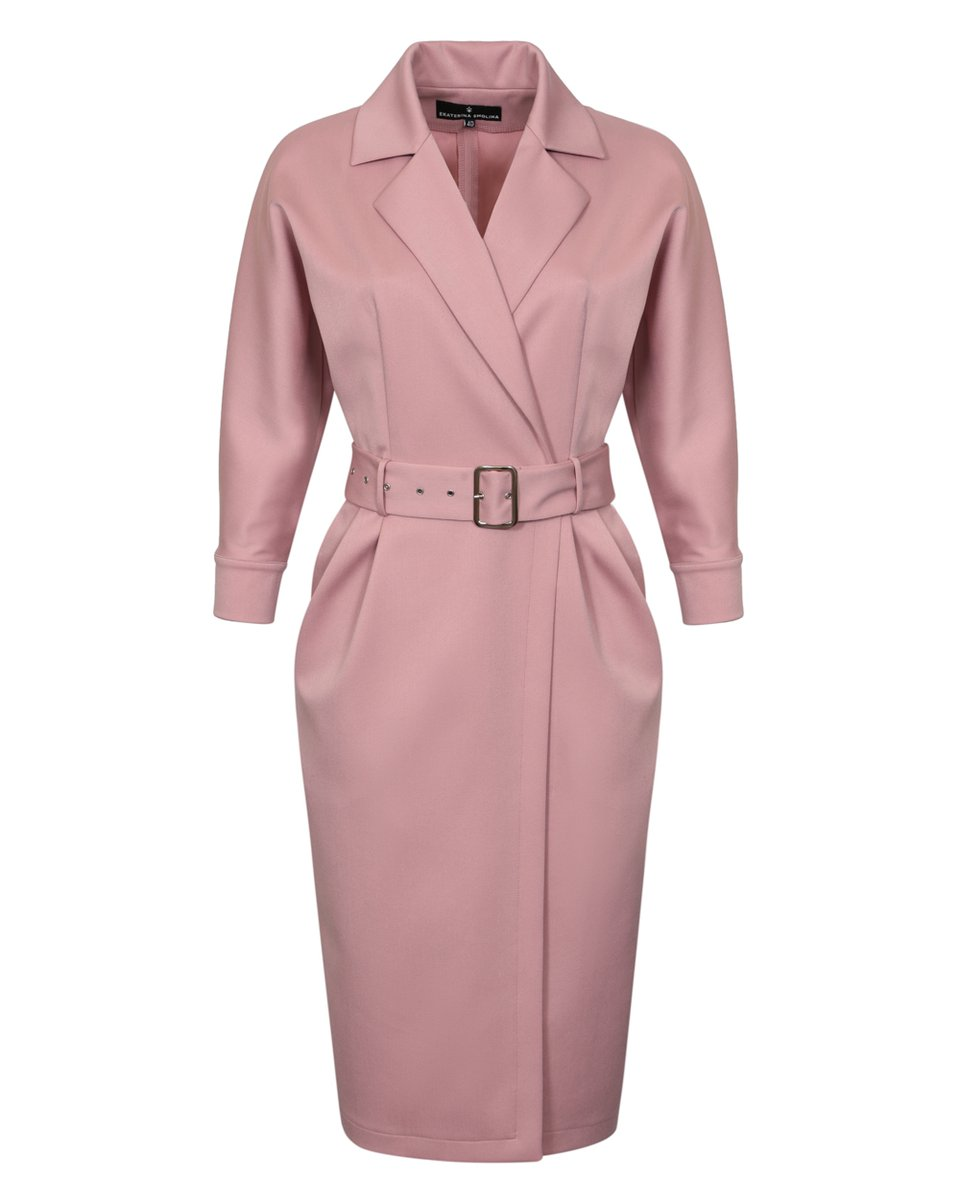 Платье розового цвета с лацканами и рукавом три четверти