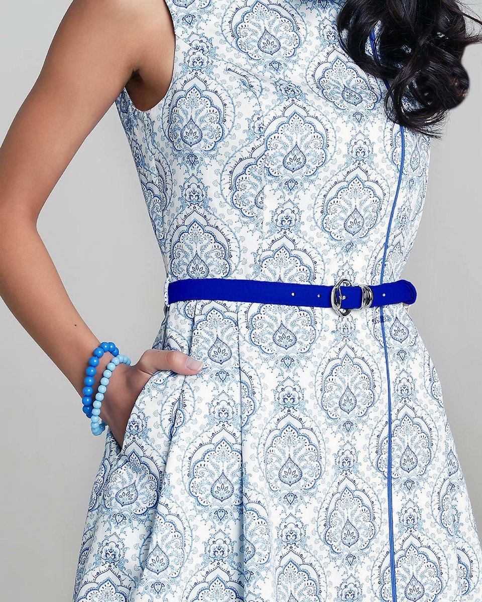 Платье с ассиметричной застежкой