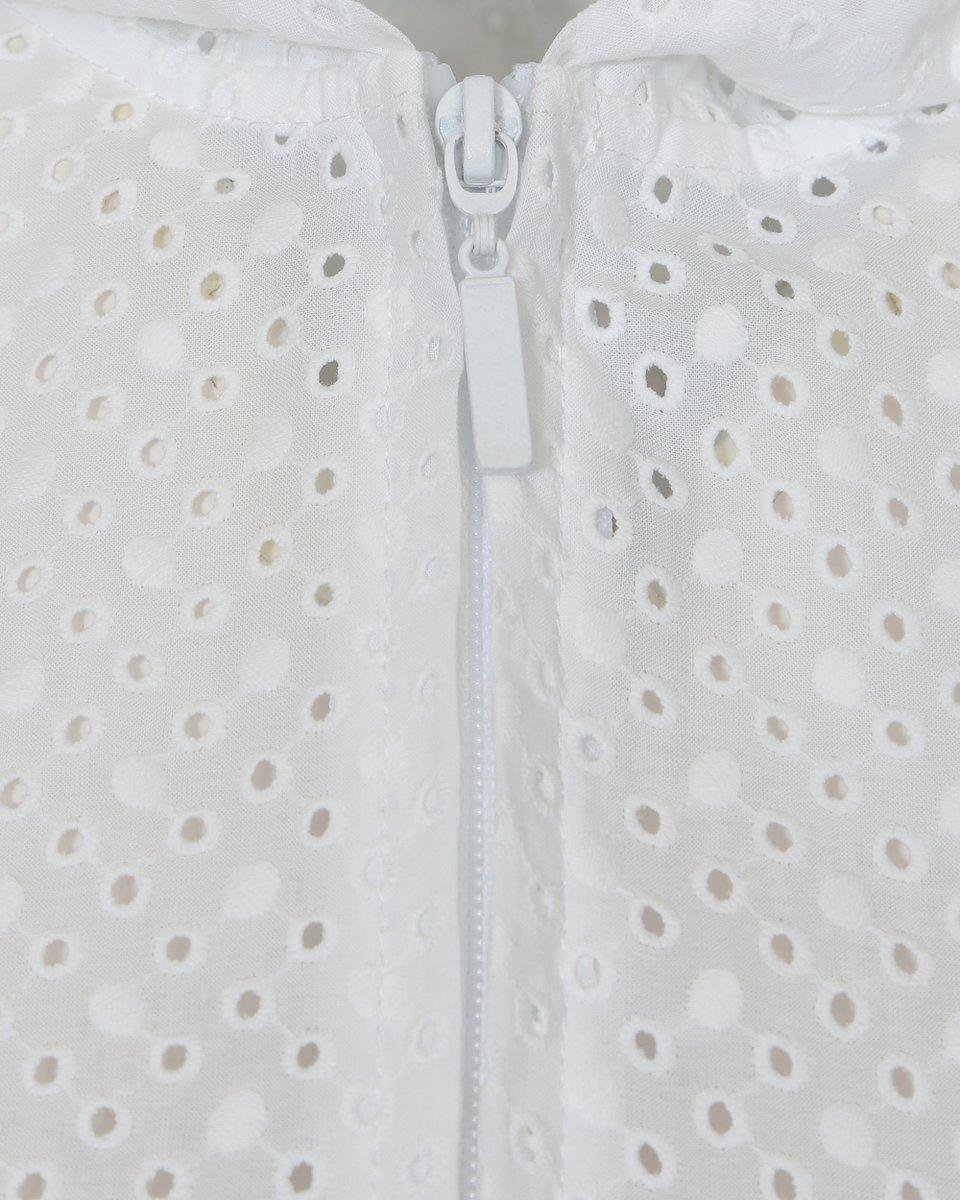 Платье с шитьем белого цвета