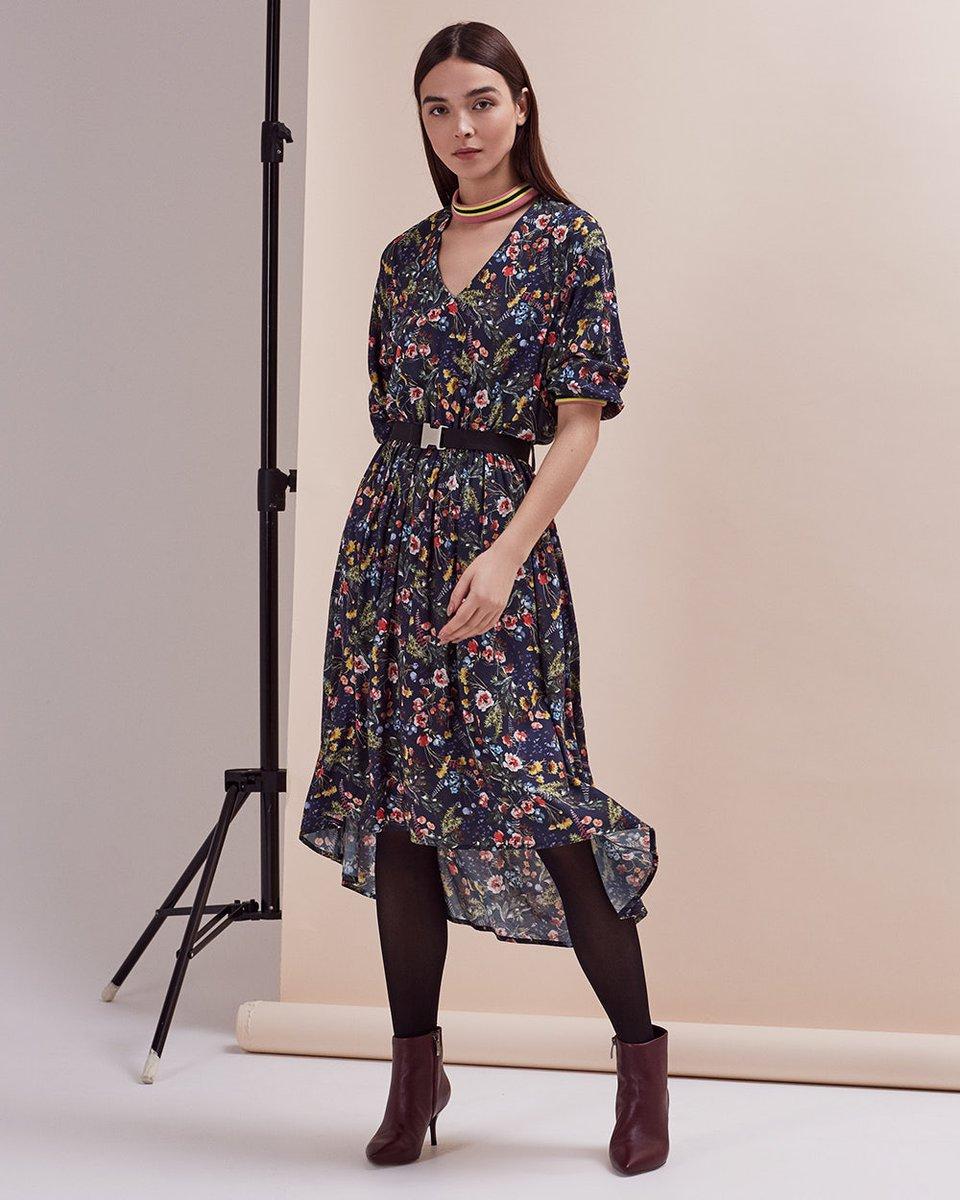 Платье с цветочным принтом и трикотажными манжетами