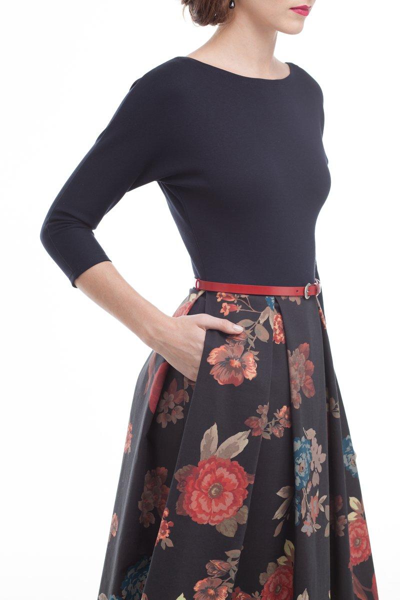 Классическое платье с пышной цветочной юбкой