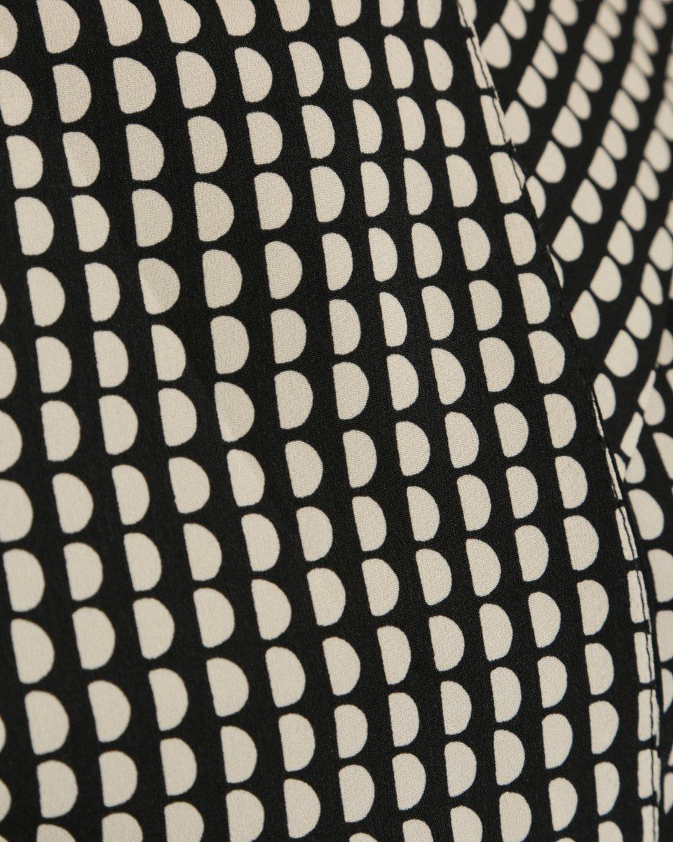 Платье с геометричным принтом и юбкой-гофре