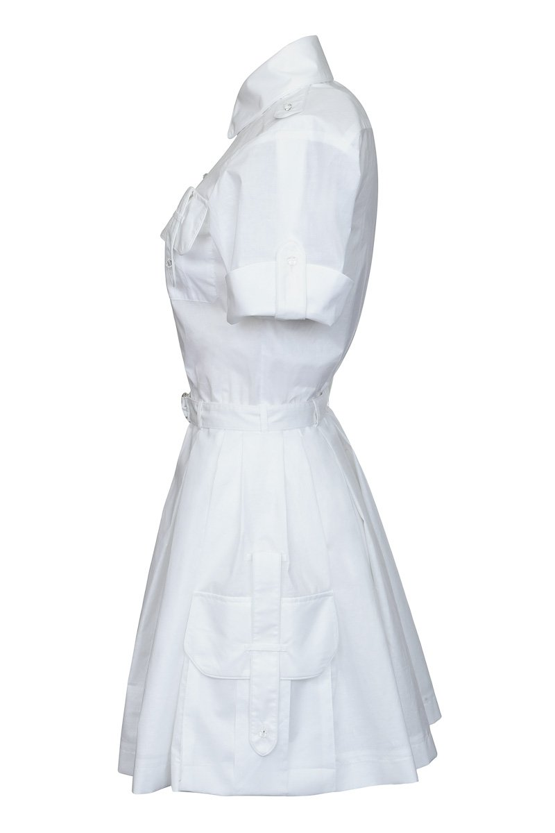 Платье с объемными карманами и пышной юбкой