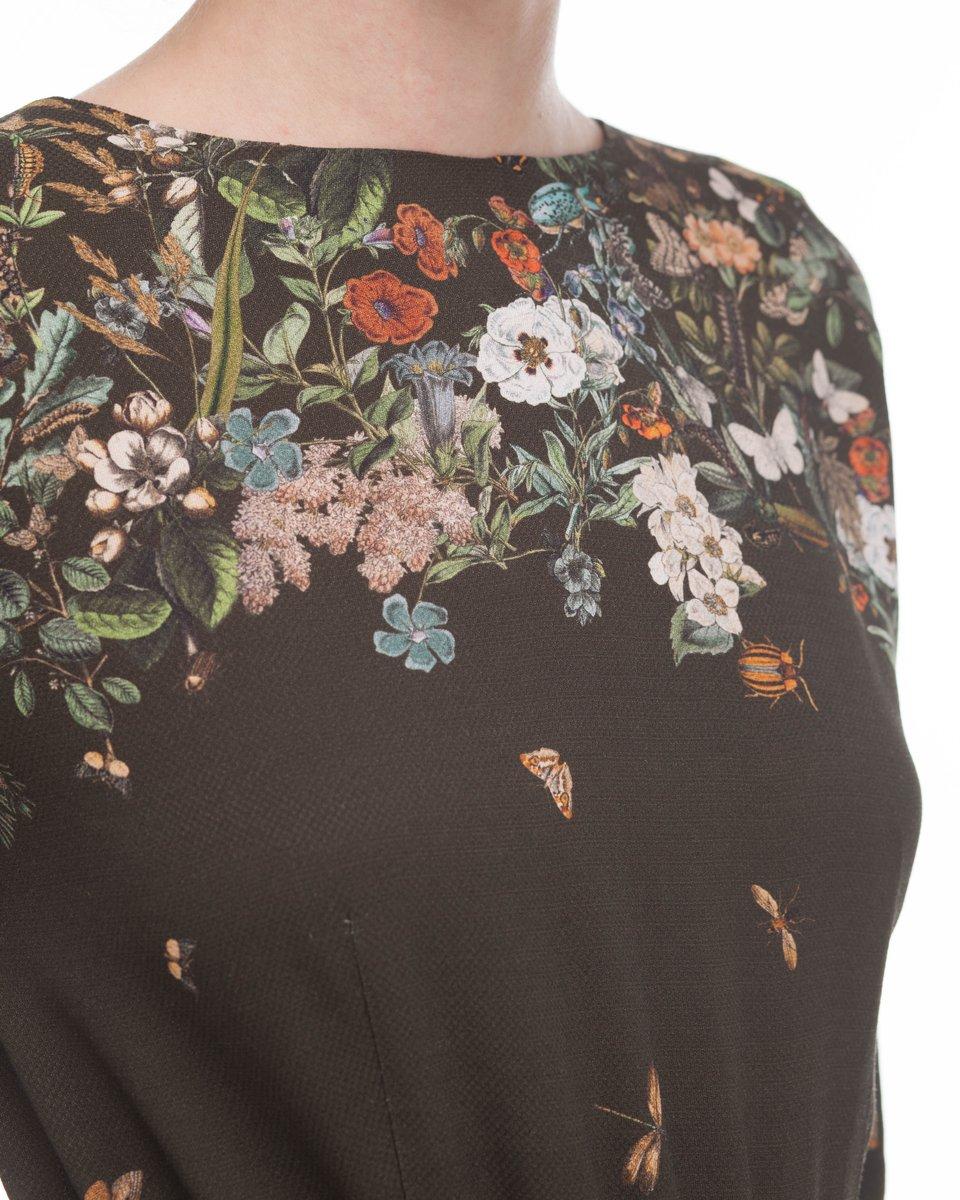 Платье темно-оливкового цвета с цветочным принтом