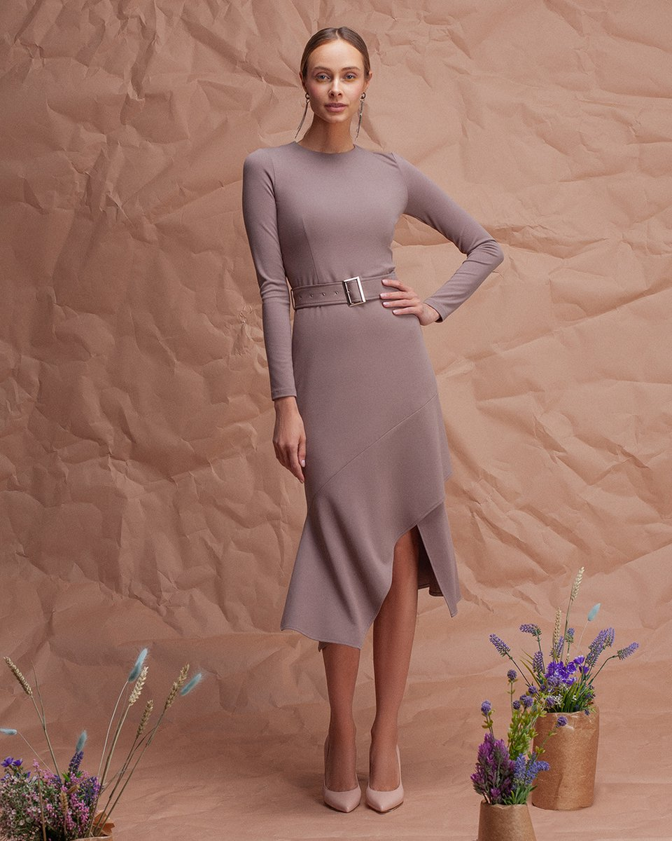 Платье трикотажное с воланом