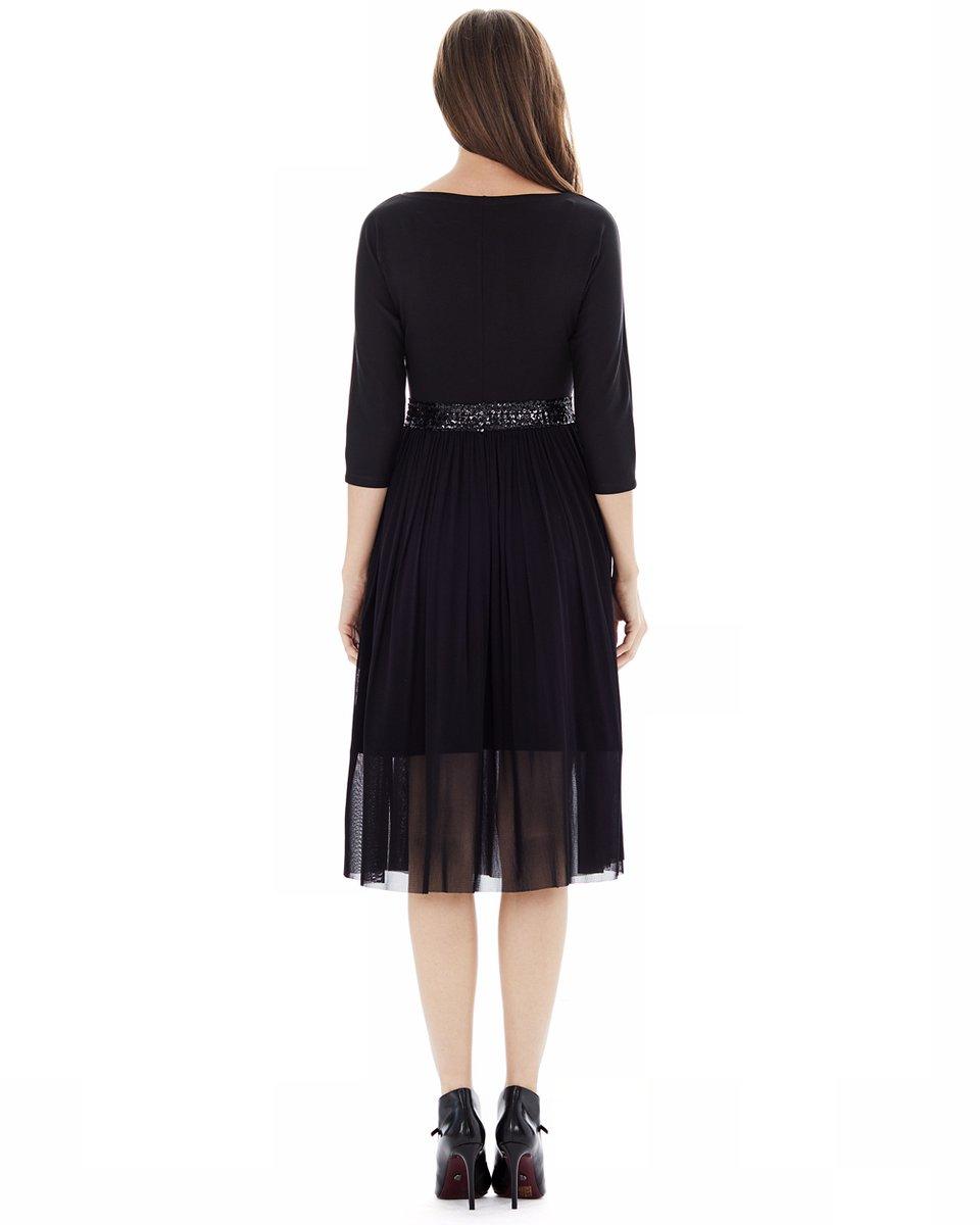 Трикотажное платье с юбкой из сетчатой ткани и декоративным поясом из пайеток