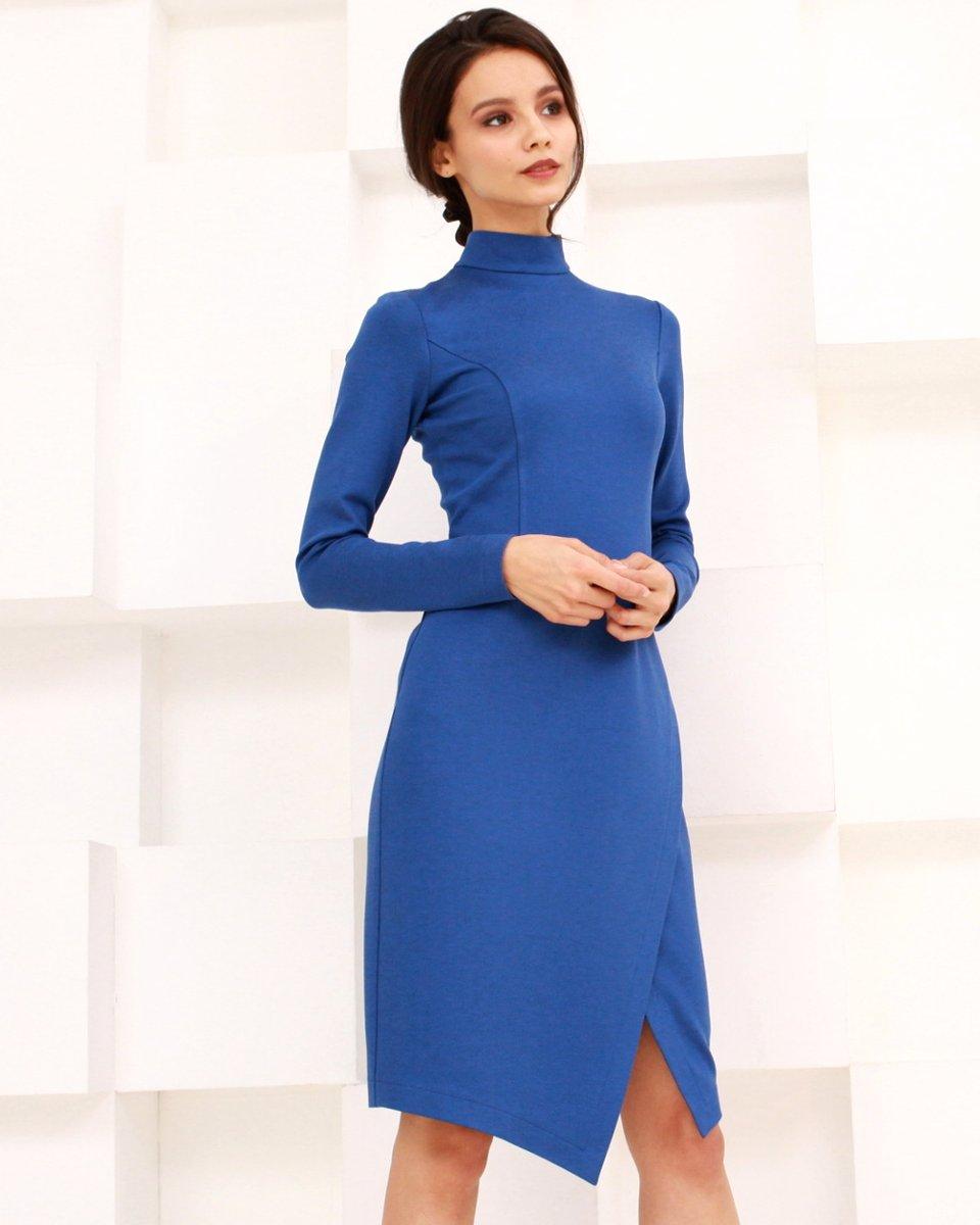 Платье трикотажное с юбкой-запах, василькового цвета