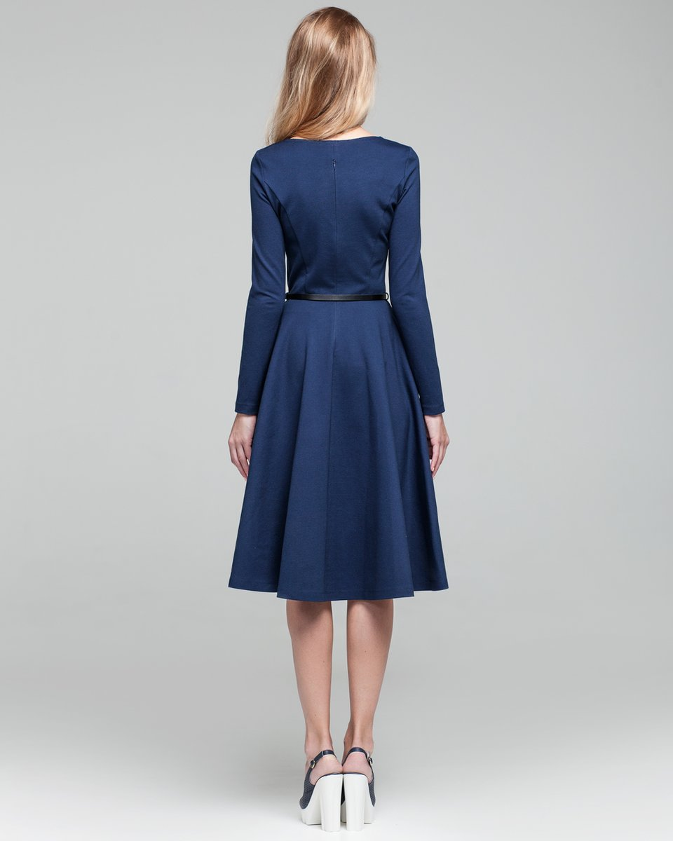 Классическое платье с юбкой-полусолнце