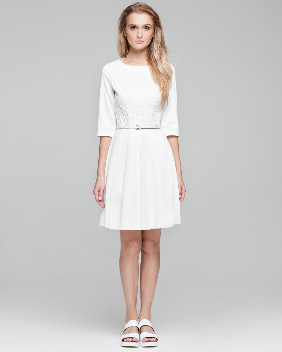 Платье с фигурной отстрочкой