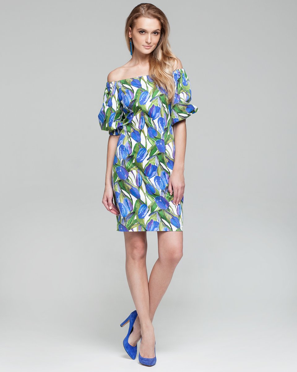 Короткое платье с объемными рукавами