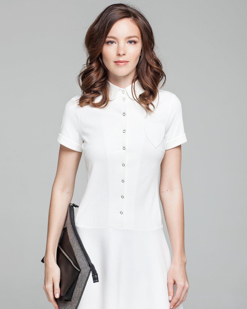 Платье в теннисном стиле