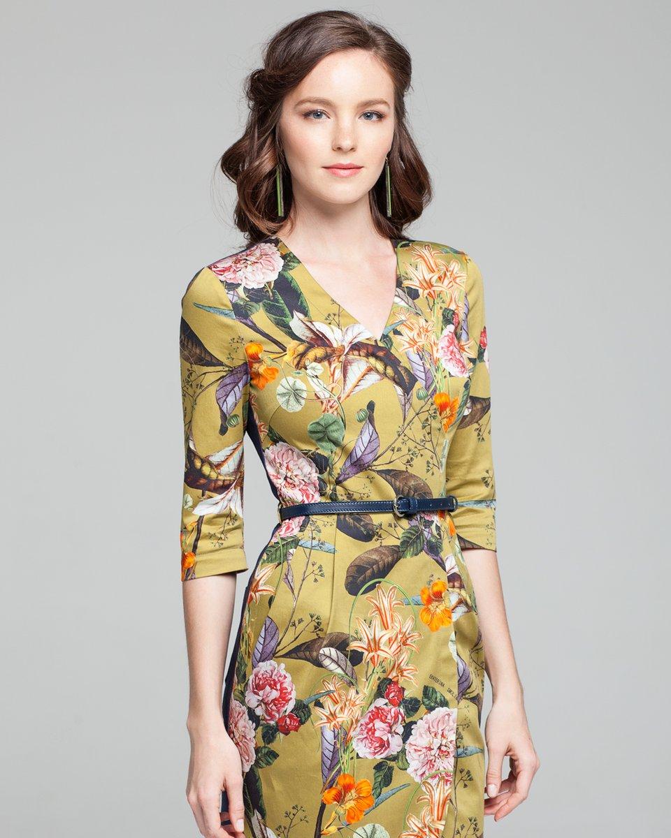 Облегающее платье с джинсовой спинкой