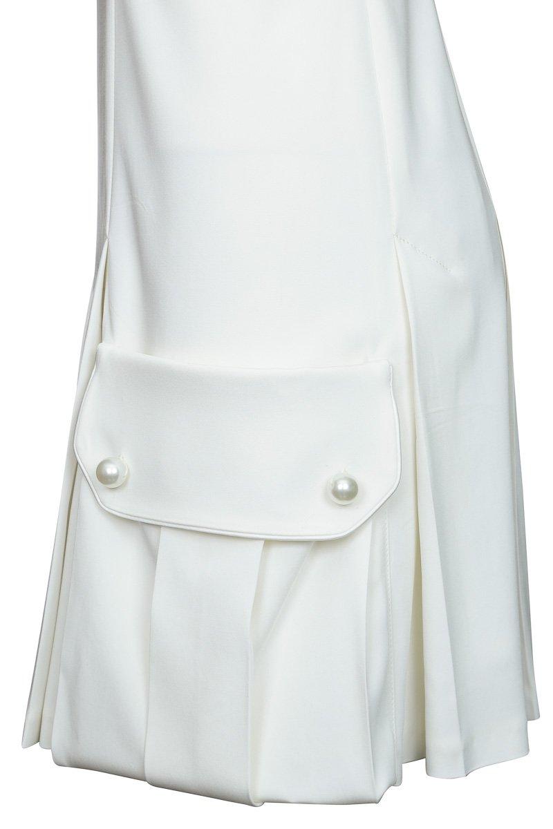 Платье приталенное с объемными карманами