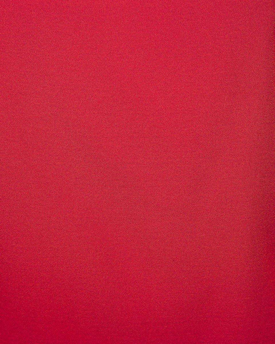 Топ на бретелях красного цвета