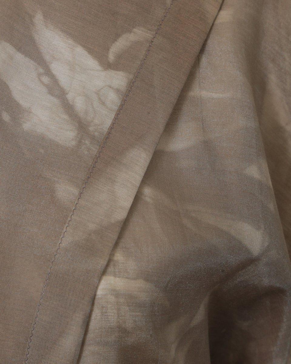 Туника с капюшоном цвета капучино с разводами