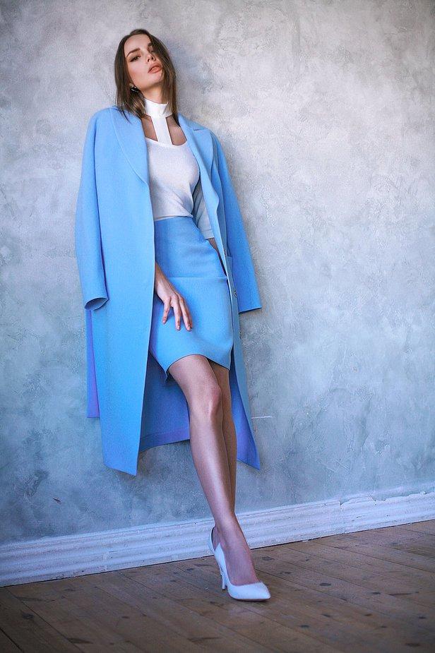 Классическая юбка-карандаш голубого цвета