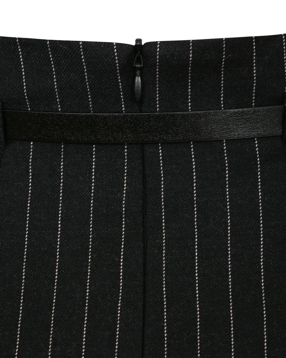Юбка на запах черного цвета