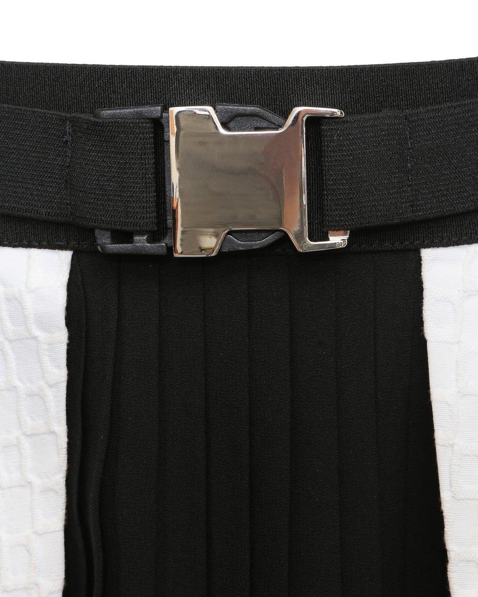 Юбка-трапеция с черным плиссе