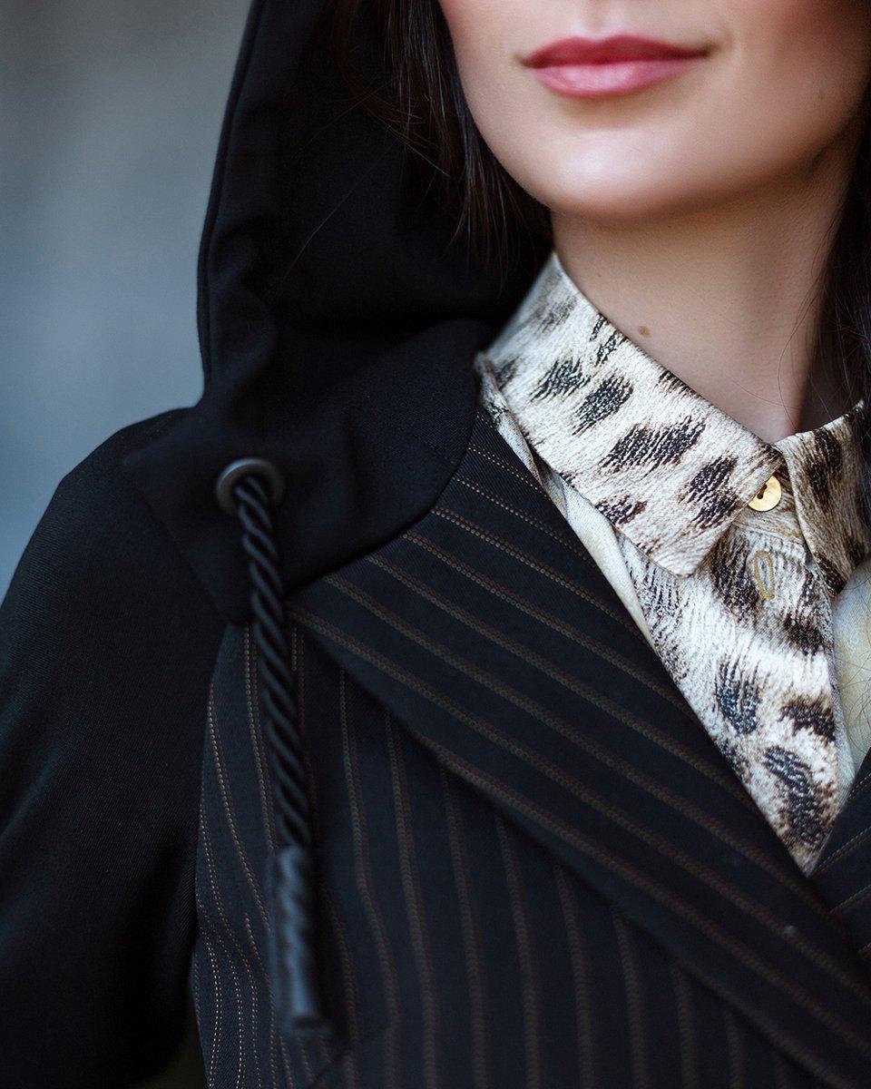 Жакет- косуха из комбинированной ткани с капюшоном