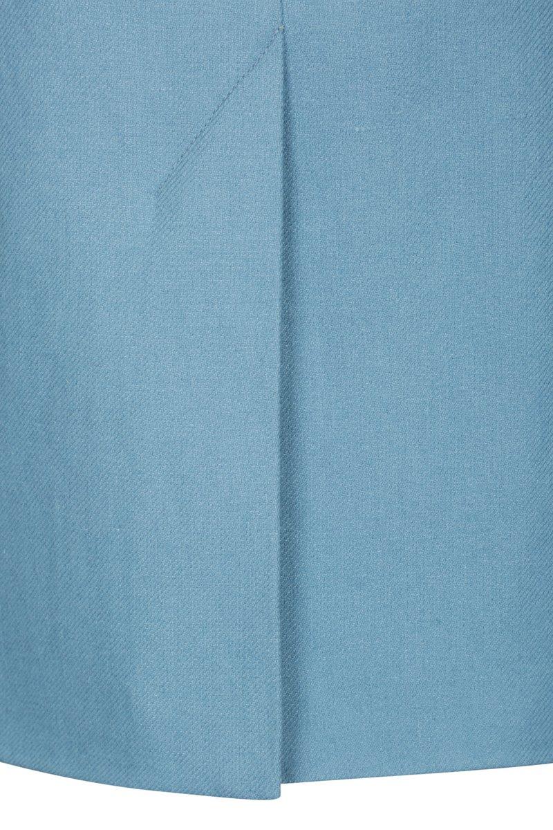 Жилет голубого цвета с английским воротником
