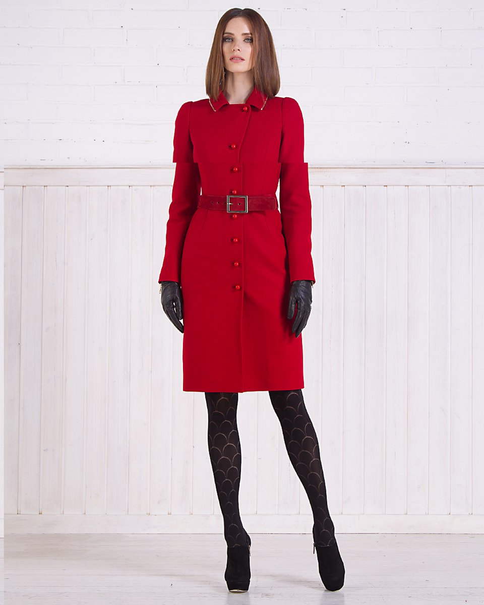 Зимнее пальто из шерсти со съемной накидкой, красное