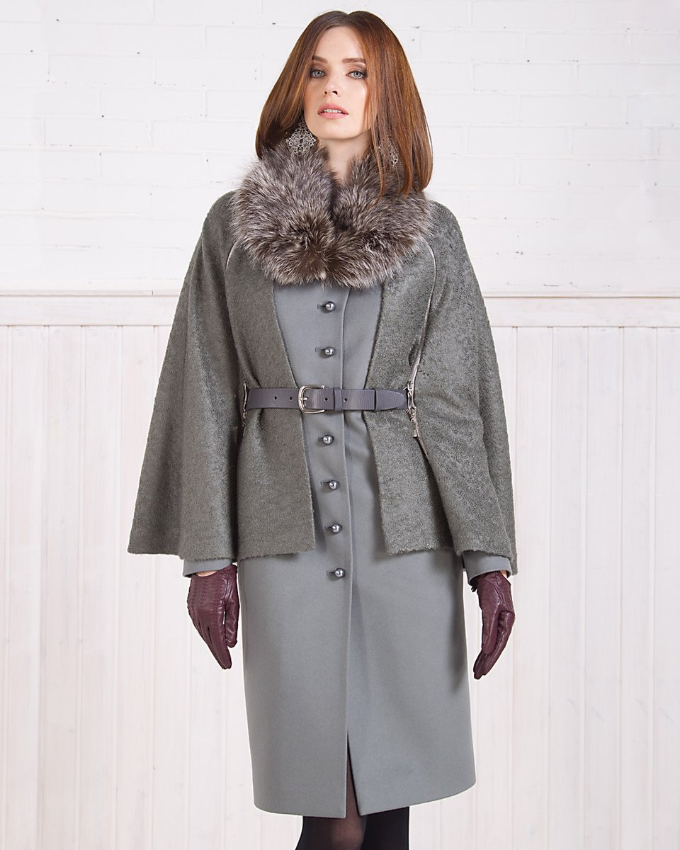 Зимнее пальто из шерсти со съемной накидкой, серое.