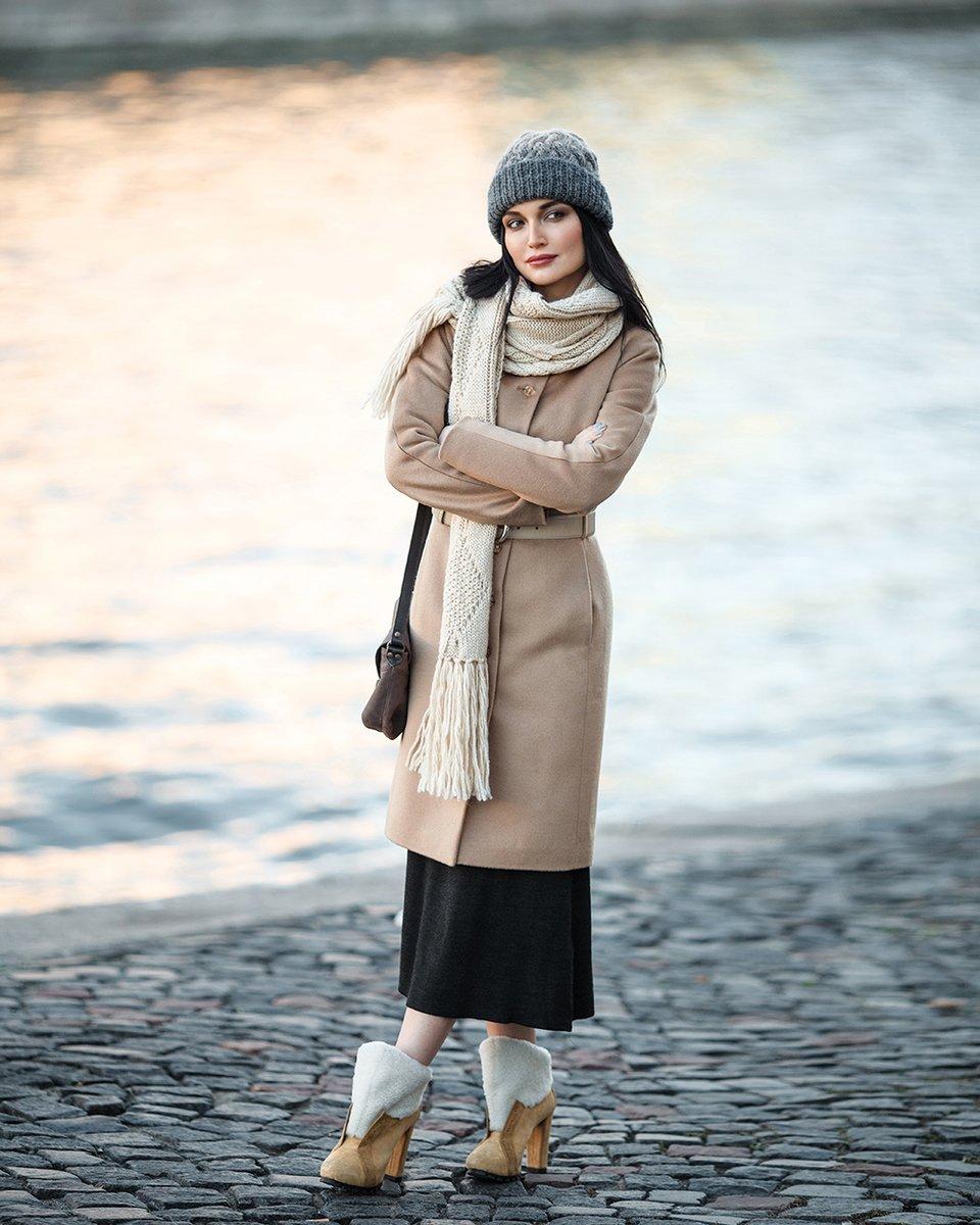 Зимнее пальто из кашемира с цельнокроенным рукавом
