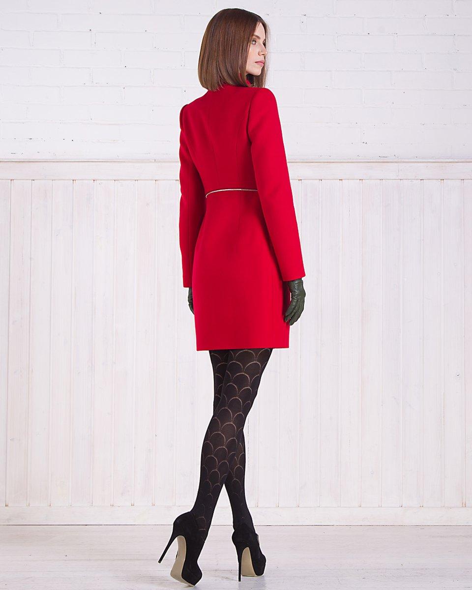 Зимнее пальто с отстегивающейся баской, красное.