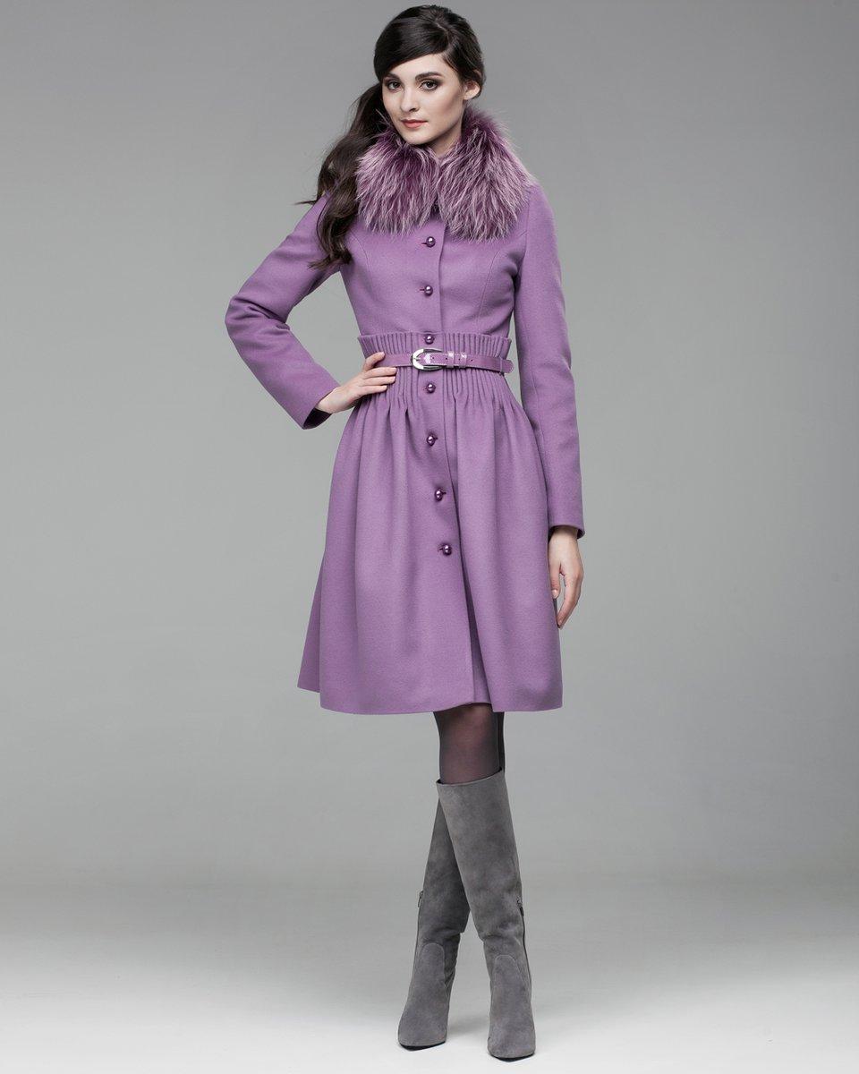 Зимнее пальто с декоративными складками на талии