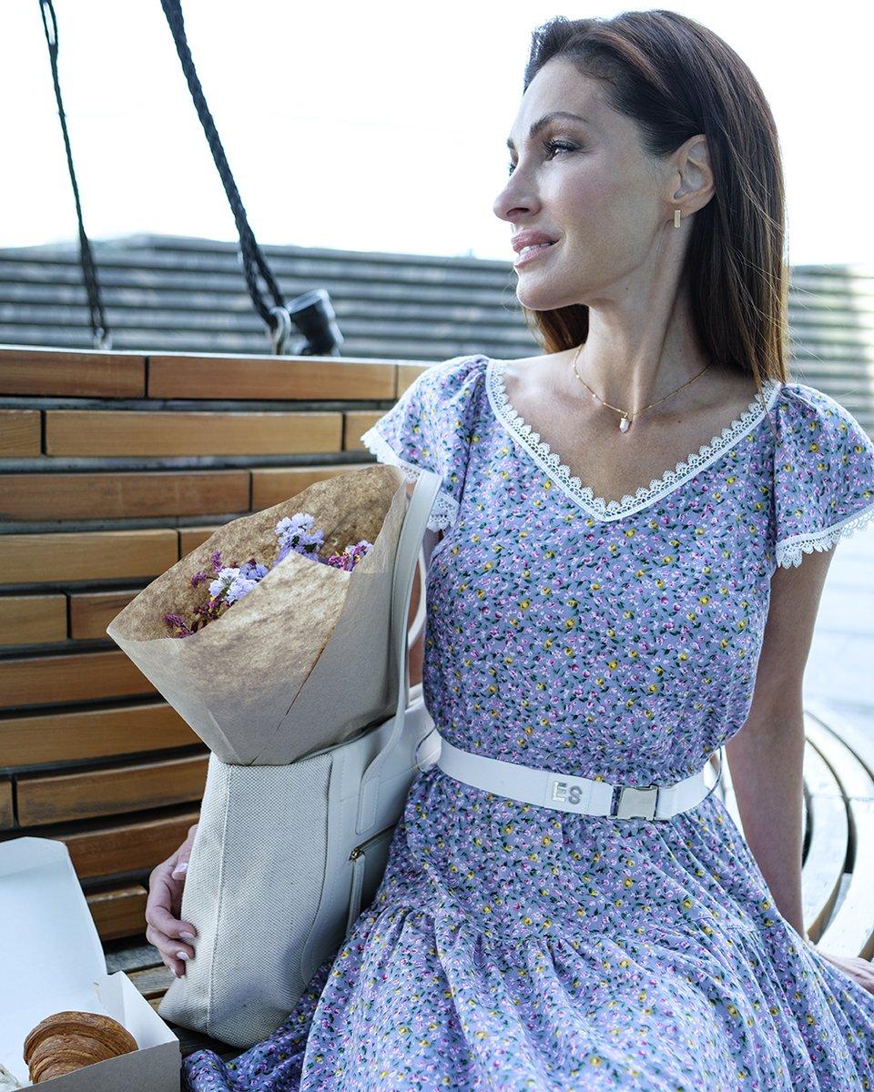 Платье в цветочный принт с отделкой из кружева