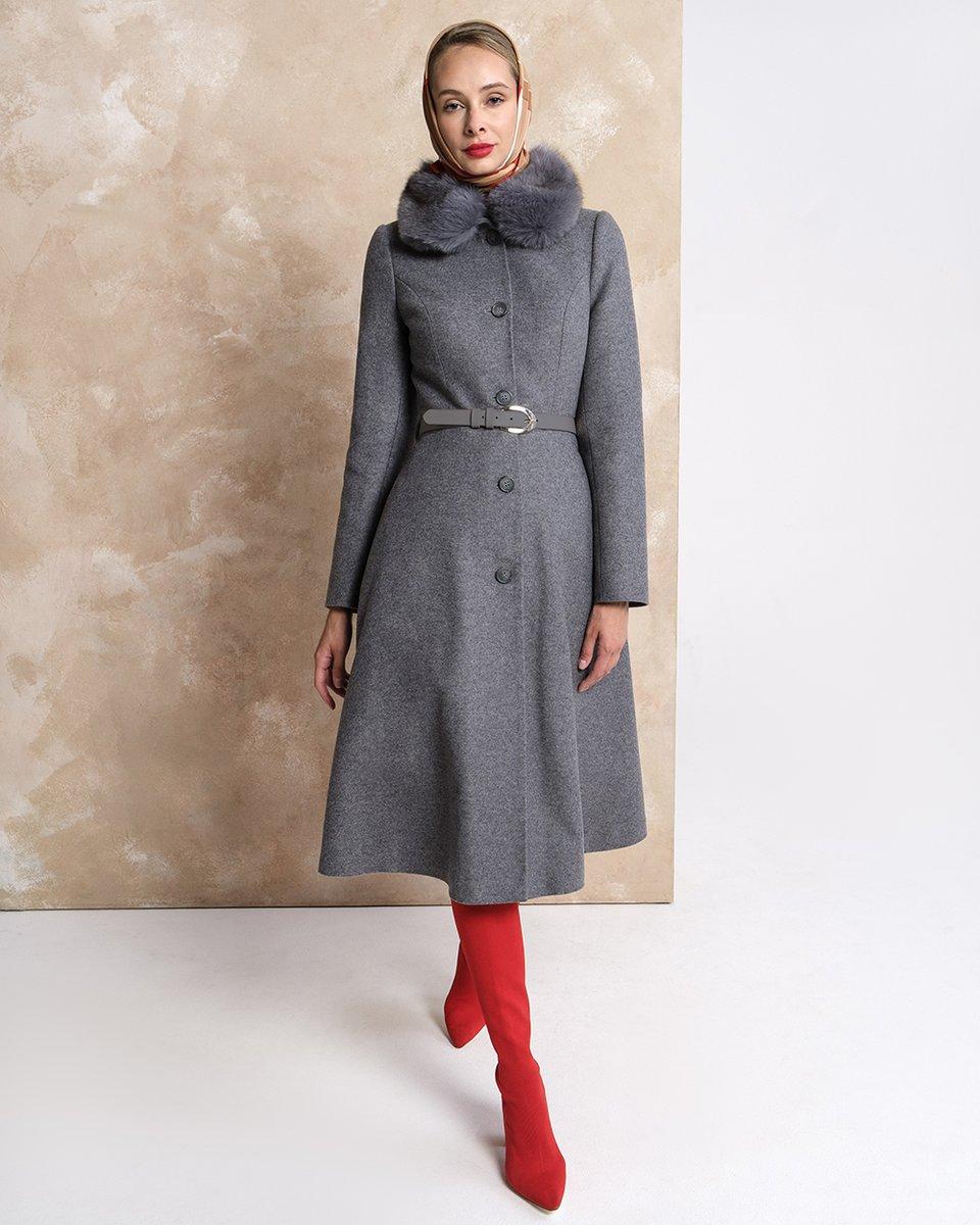 Зимнее пальто серого цвета с юбкой-полусолнце