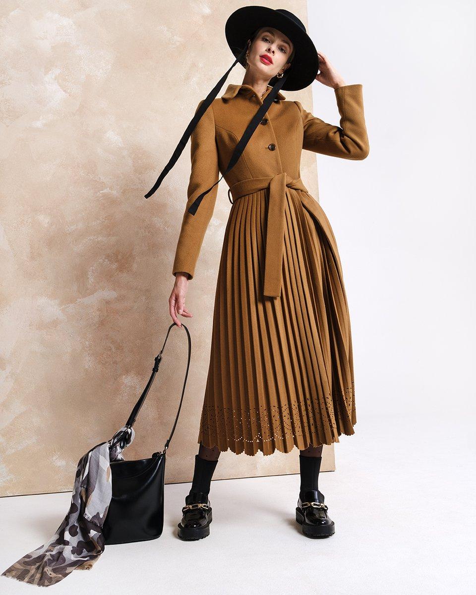 Зимнее пальто длины миди с юбкой-плиссе