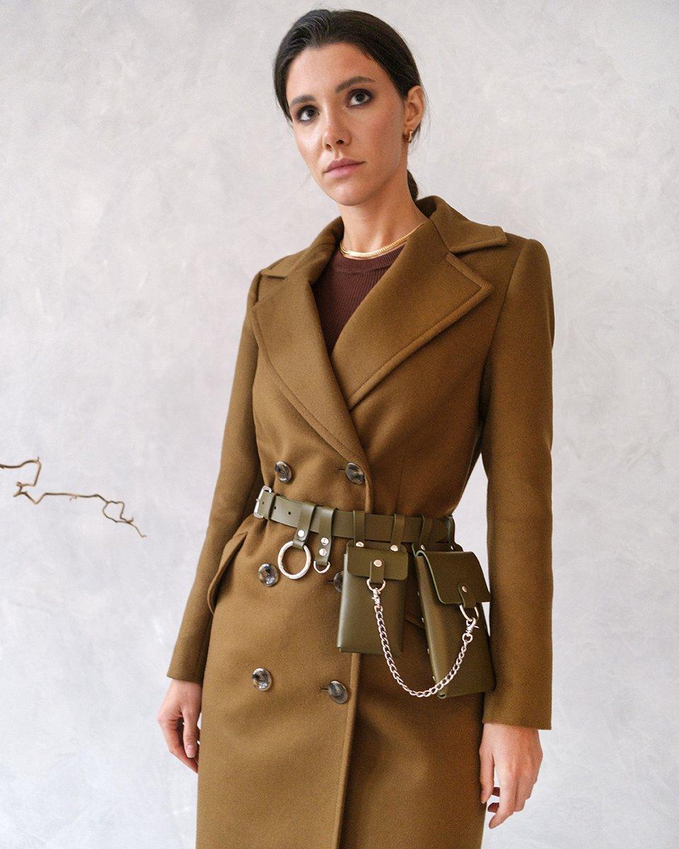 Кожаный пояс оливкового цвета с подвесными кармашками