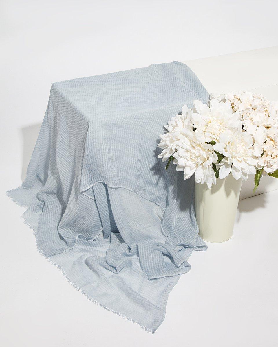 Палантин серо-голубого цвета