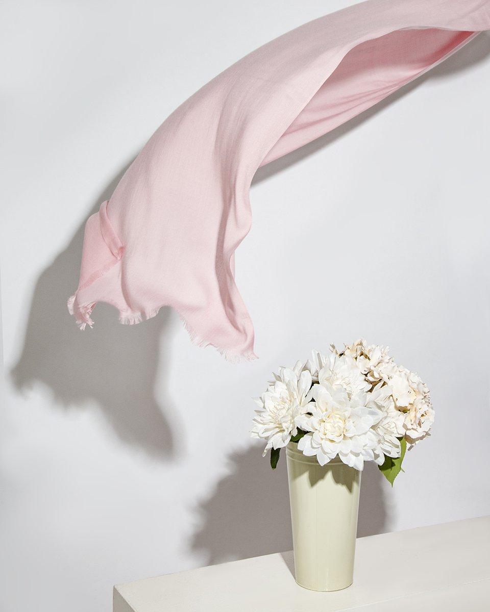 Палантин розового цвета однотонный