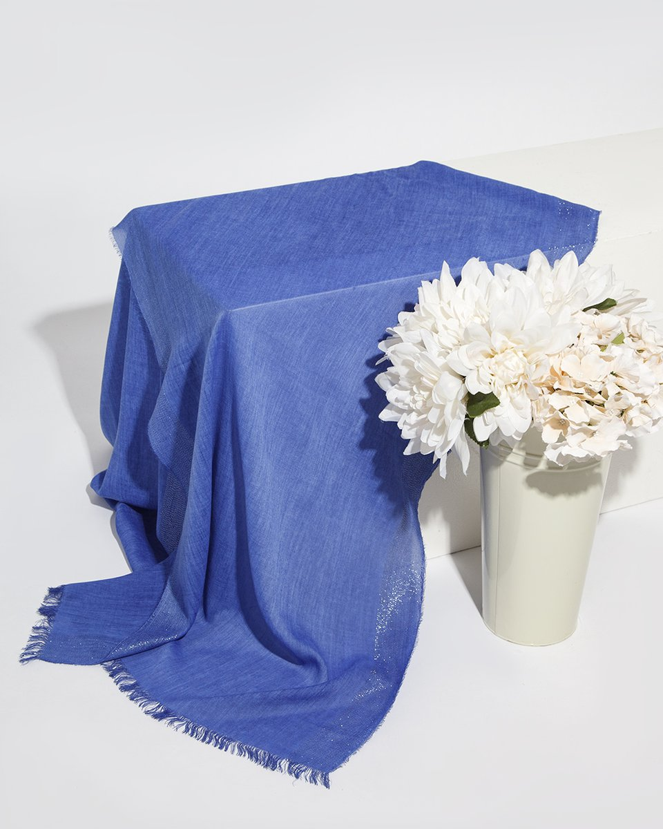 Палантин синего цвета кайма- люрекс