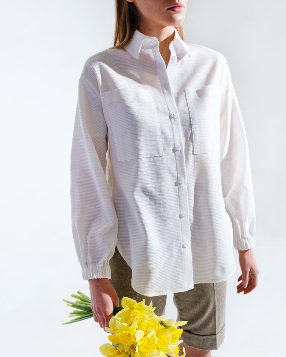 Рубашка из вискозы с накладными карманами, белого цвета