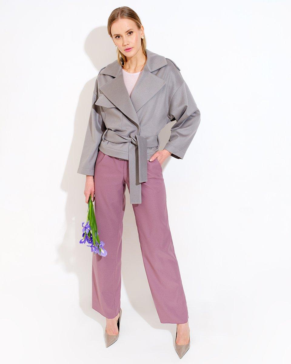 Укроченное пальто-куртка серого цвета