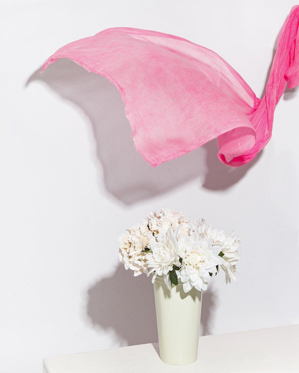 Палантин неоновый розовый